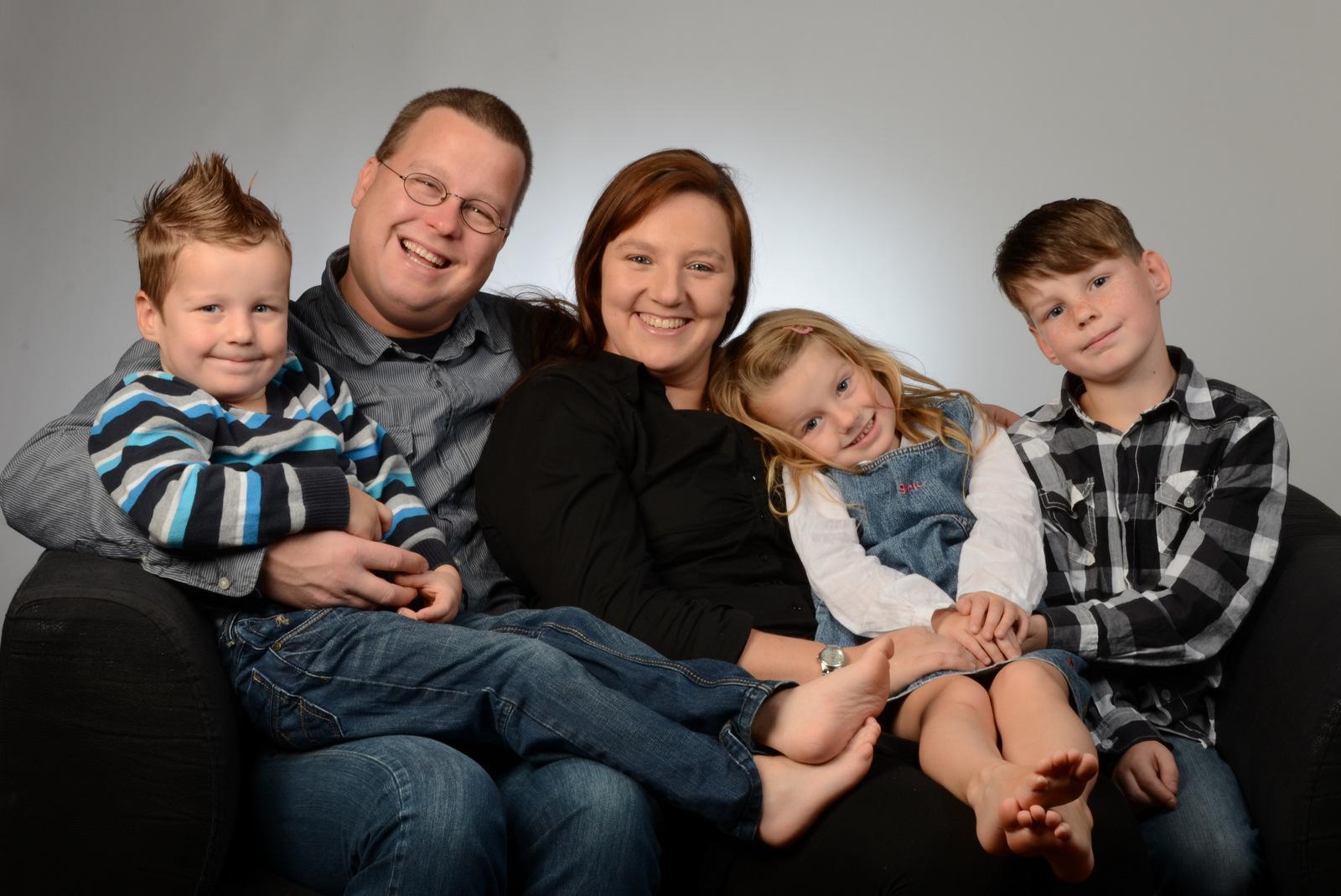 Familie Mit Drei Kindern : fotos von lachenden kindern und familien sind ein sch nes ~ A.2002-acura-tl-radio.info Haus und Dekorationen